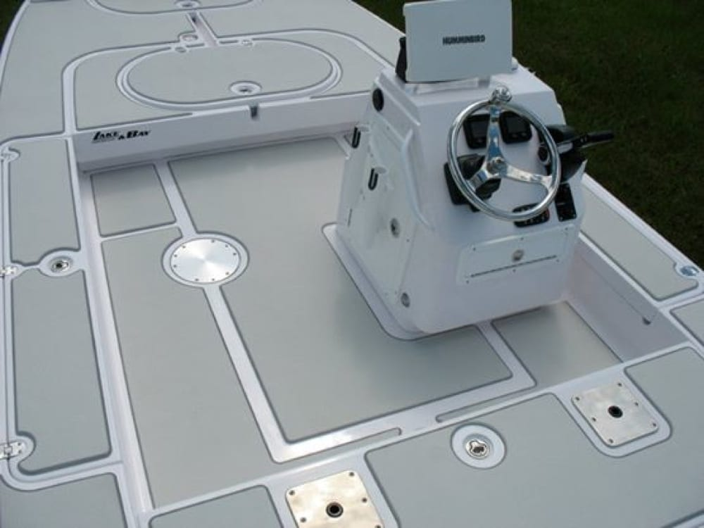 The floor kit on the Boca Grande with the side console