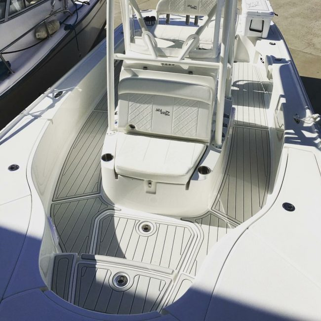Castaway Customs 270Z Seavee Bay Boat Custom SeaDek Marine Flooring